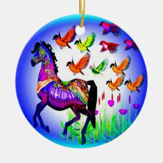 Ornamentos brillantes del caballo del carrusel ornatos
