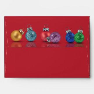 Ornamentos coloridos del navidad - sobre A7