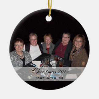Ornamentos de encargo de la foto de familia de adorno navideño redondo de cerámica