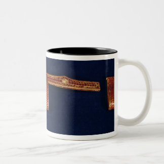 Ornamentos de la espada del tesoro de Childeric I  Tazas De Café