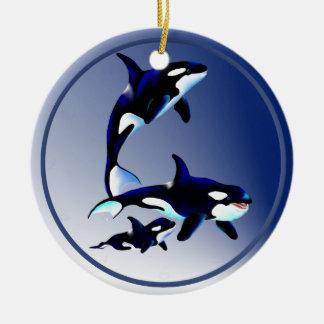 Ornamentos de la familia de la orca ornamentos de reyes