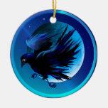 Ornamentos del cuervo y de la luna adorno navideño redondo de cerámica