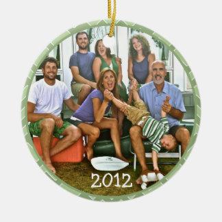 Ornamentos del navidad de la foto de Famiy Adorno Redondo De Cerámica