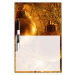 Ornamentos del oro pizarra blanca
