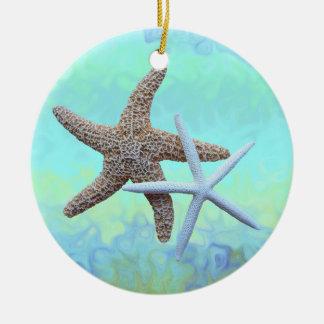 Ornamentos del tema del océano de las estrellas de adorno navideño redondo de cerámica