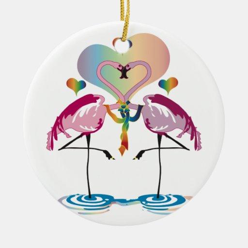 Ornamentos gay de los flamencos adorno navideño redondo de cerámica