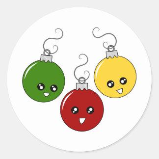 Ornamentos lindos del navidad pegatina redonda