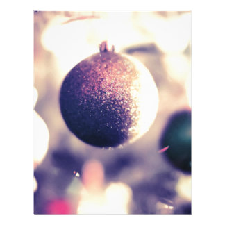 Ornamentos púrpuras del navidad membrete a diseño