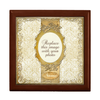 Ornate Gold Frame w/ Rounded Opening Gift Box