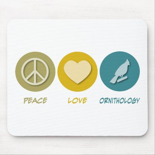 Ornitología del amor de la paz mousepads