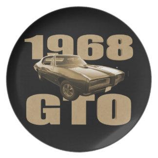 Oro 1968 del coche del músculo de Pontiac GTO Platos Para Fiestas