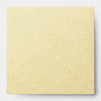 Oro alineado con el cuadrado blanco y negro de las sobre