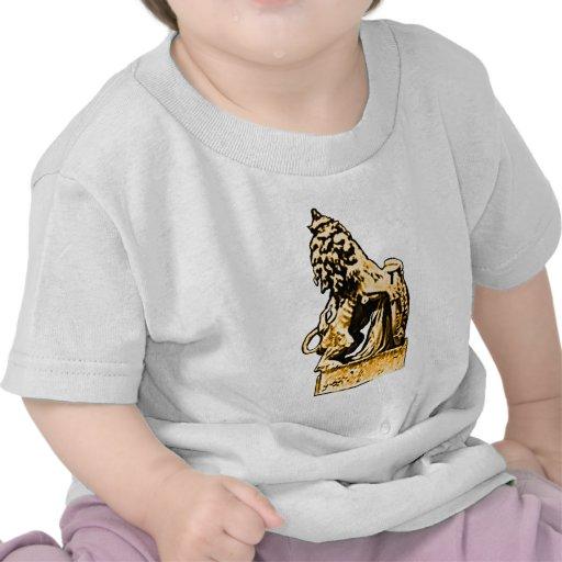 Oro británico del león del emblema los regalos de  camiseta