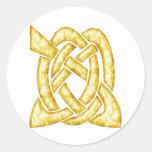 Oro céltico del nudo 6 pegatina redonda