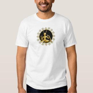 Oro Cernunnos, TriQuatra, y acebo - camiseta Remeras