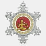 Oro Cernunnos y espirales - ornamento 4 del estaño