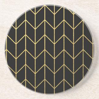 Oro Chevron en moda moderna del fondo negro Posavasos De Arenisca