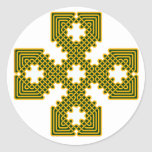 Oro de la cruz céltica 8 pegatina redonda