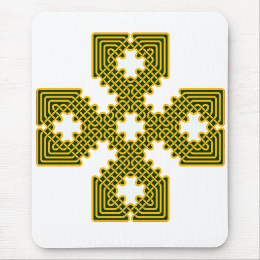 Oro de la cruz céltica 8 tapete de raton