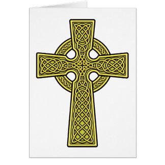 Oro de la cruz céltica tarjeta de felicitación