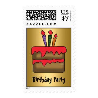 Oro de la invitación de la torta de cumpleaños estampillas