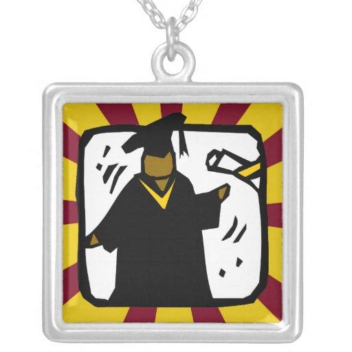 Oro de recepción graduado y rojo del diploma (1) colgante cuadrado