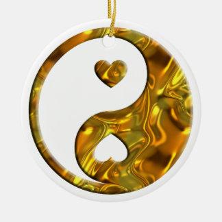 Oro de Yin y de Yang/de los corazones Adorno Redondo De Cerámica