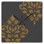 Oro del arte I del damasco de la voluta en gris Reloj Cuadrado