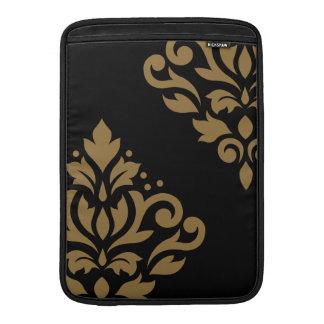 Oro del arte I del damasco de la voluta en negro Fundas Macbook Air