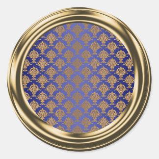Oro del damasco en azul real pegatina redonda
