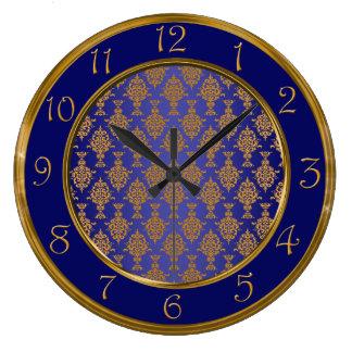 Oro del damasco en azul real reloj redondo grande