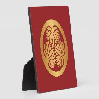 Oro del escudo de la familia de lunes del japonés placas de plastico