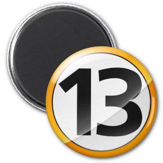 Oro del número 13 imán redondo 5 cm