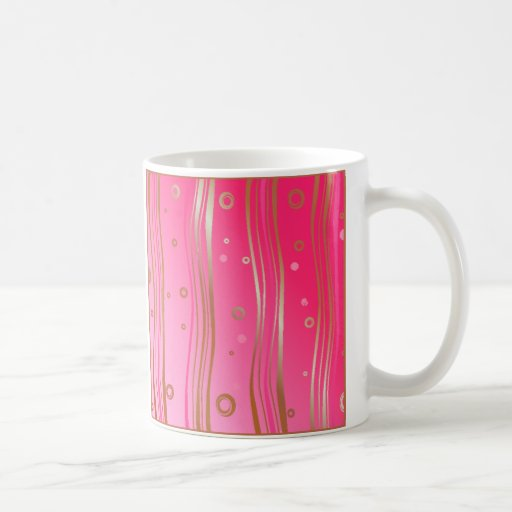 Oro del satén en rosa taza de café