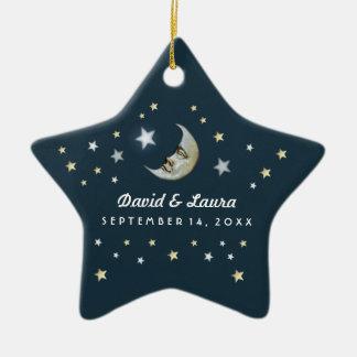 Oro del trullo y luna y estrellas blancas que adorno navideño de cerámica en forma de estrella