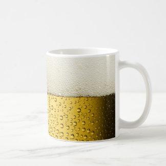 Oro divertido del vidrio de cerveza de las taza de café