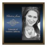 Oro e invitación azul de la graduación