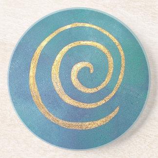 Oro espiral azul brillante del infinito del arquer posavasos cerveza