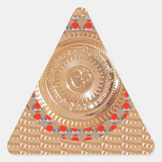 ORO grabado en relieve símbolo del mantra n OmMant