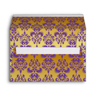 Oro, modelo púrpura 2 del damasco sobre