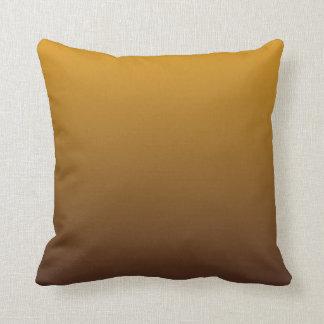 Oro picante Brown Ombre Cojín