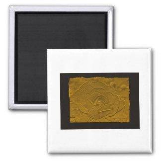 Oro profundo grabado en relieve subió imán para frigorifico