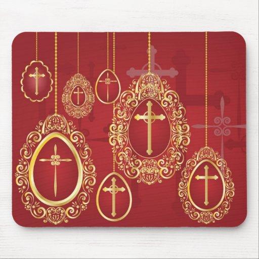 Oro que cuelga los huevos de Pascua con las cruces Mousepad