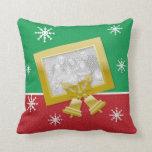 Oro rojo y campanas verdes de Navidad de la foto Cojin