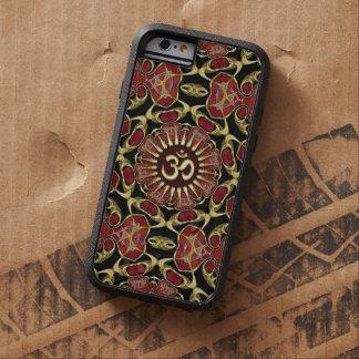 Oro sánscrito de OM + Caja barroca roja del iPhone