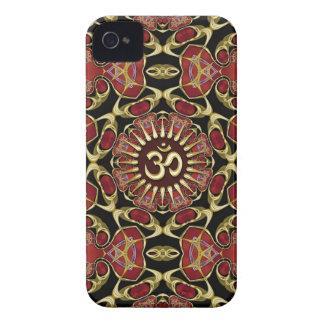 Oro sánscrito de OM + Caja barroca roja del iPhone iPhone 4 Case-Mate Coberturas