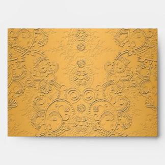 Oro simulado con diseño adornado grabado en reliev sobres