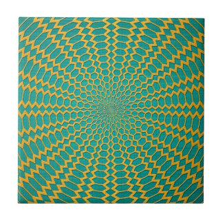 Oro sobre diseño radial del verde del trullo teja cerámica