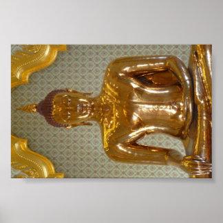 Oro sólido que sienta a Buda de la ciudad de China Posters