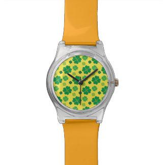 ORO verde del día del St Patricks del trébol de cu Reloj De Mano